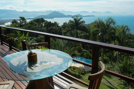 Excellent house with stunning views of ubatuba
