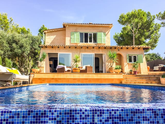 Family Villa with Infinity Pool - 聖龐沙(Santa Ponsa) - 別墅