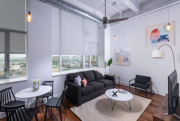 Exec 1BD/1BA Apartment - Gym, Pool, Rooftop Lounge