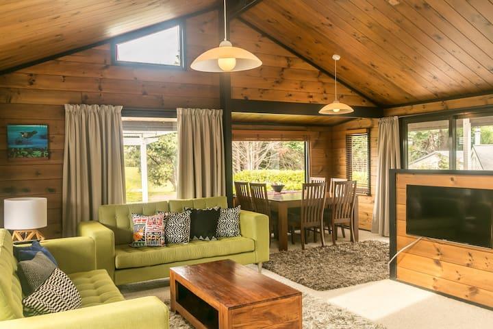 Pauanui Paradise in peaceful location