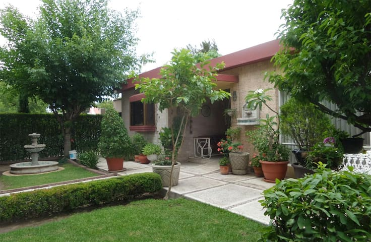 EXCELLENT LOCATED NICE HOUSE - Durango - Bed & Breakfast