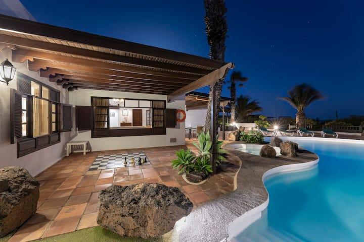Classical villa with panoramic ocean views