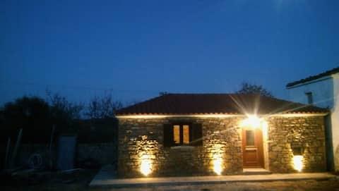 Casa de pedra tradicional a prop de Keros