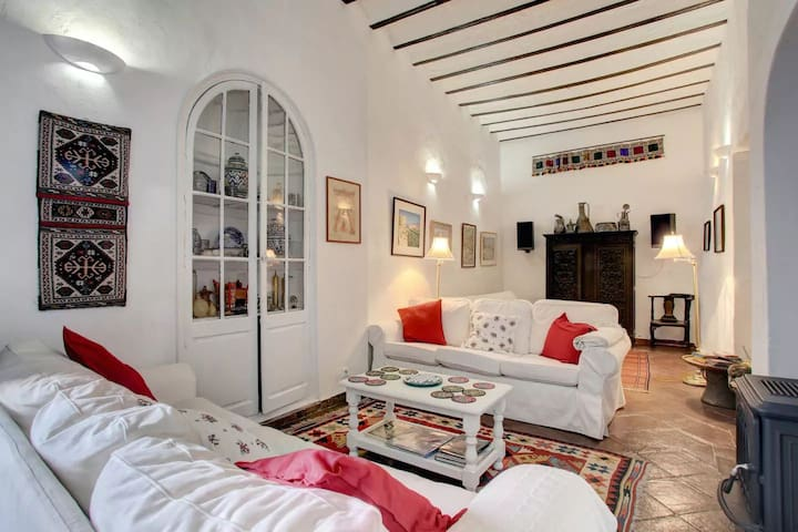 Individual suites in 18th C. Spanish town house.