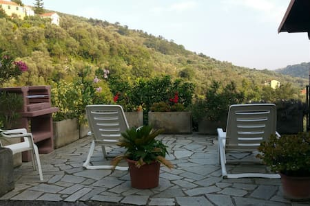oleandri,relax in a large garden - Diano San Pietro  - Apartment