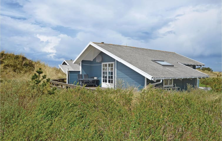 Holiday cottage with 2 bedrooms on 75m² in Frøstrup