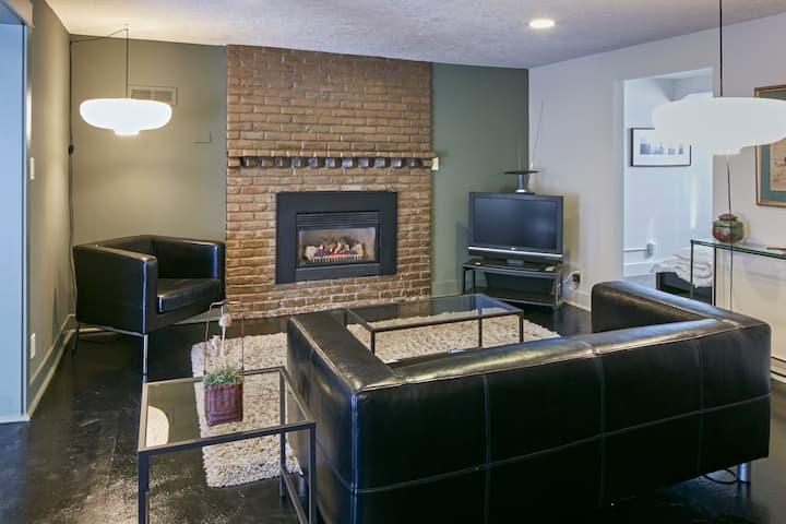 Overlook Mid-Century Apartment