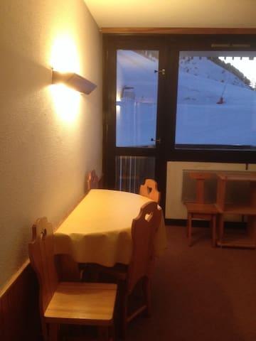 Appartement 26 m2 vue sur pistes de ski - Aime
