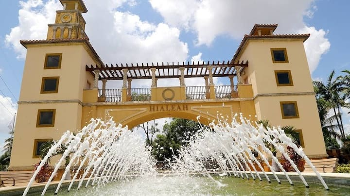 Hialeah Hostel Tropical garden master Miami-Dade