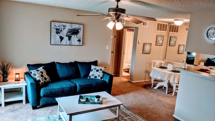 Cozy & Convenient in Clear Lake