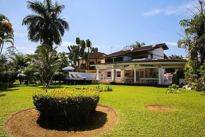 Casa Condomínio Costa Verde Tabatinga,estilo Loft.