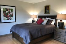 Frenchtown Inn-book the whole house