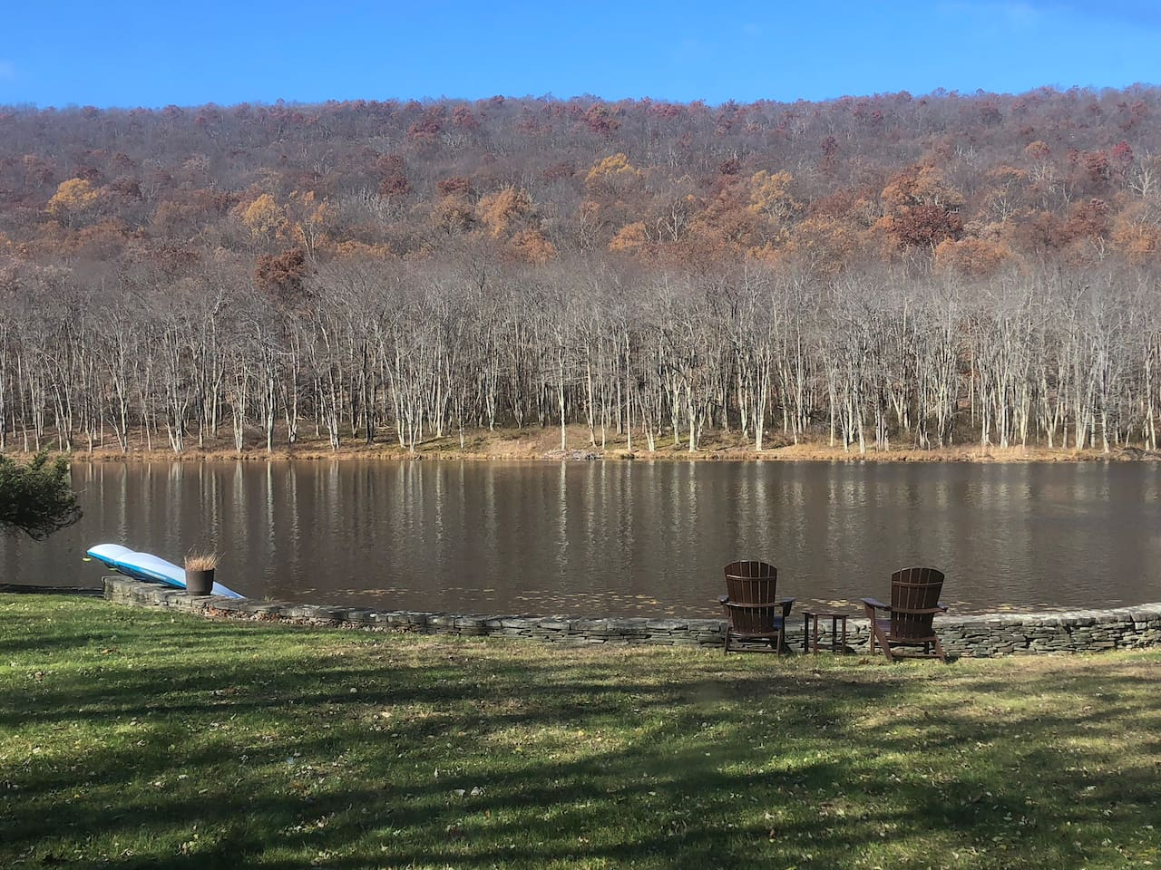 The home faces the Kittatinny mountains