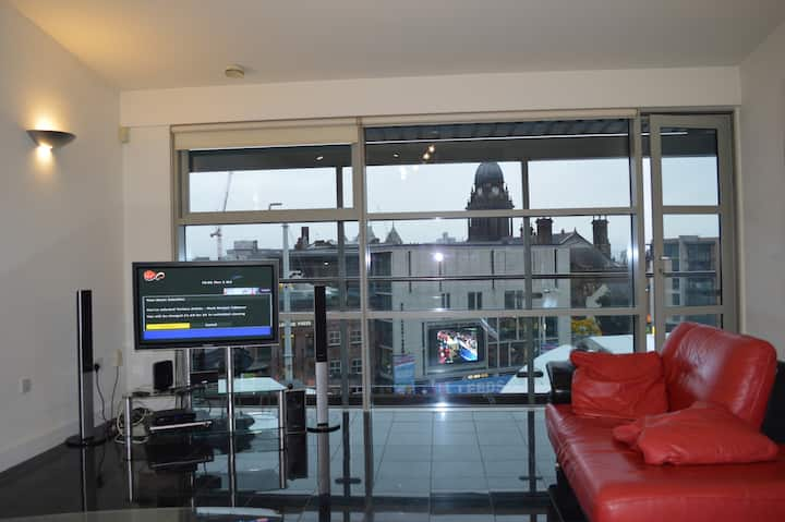 Leeds City Centre Superior Two Bed Apartment
