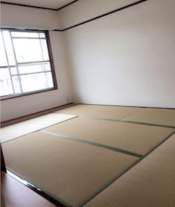 六甲山、駅にも近くて便利なメゾネットタイプのお部屋!駐車場もあり! - Kobe