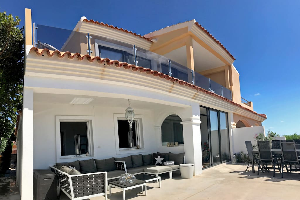 Casa exclusiva con vistas a la isla de tabarca casas en alquiler en gran alacant comunidad - Casa en tabarca ...