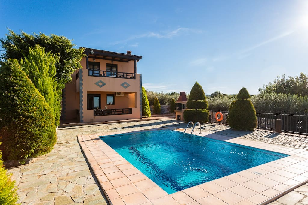 25 m2 private swimming pool for you to enjoy!
