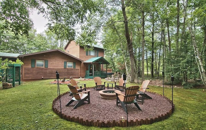 New! The Ultimate Cabin in the Poconos w hot tub