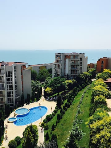 2х-комн апартаменты с потрясающим видом на море