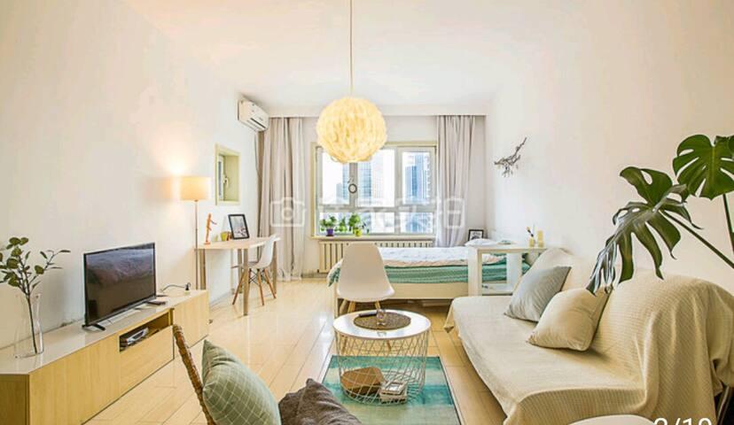 星海广场 观海 阳光充沛  北欧风格  大空间 适合年轻人的家庭友好型高层民宿