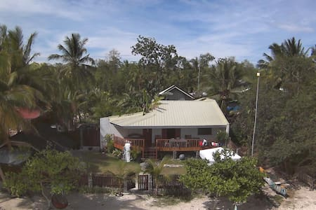 Juvy's Beach House - private villa by the beach