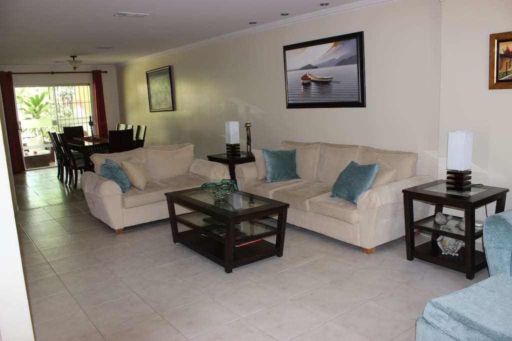 Ample living and dinner room