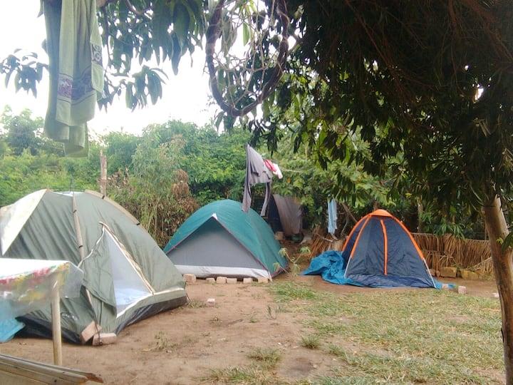 Camping Caminho do Rio espaço 4,para 2 pessoas.