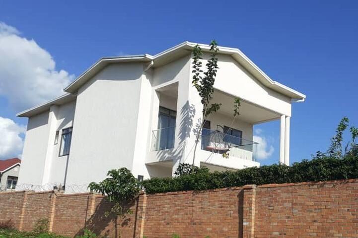 Beautiful spacious home near Kigali Airport