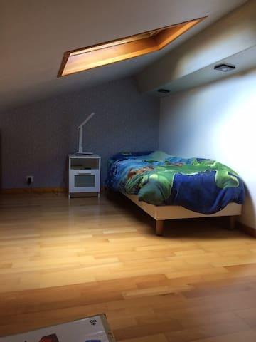 Croix Rousse (clos jouve): chambre avec SdB privée