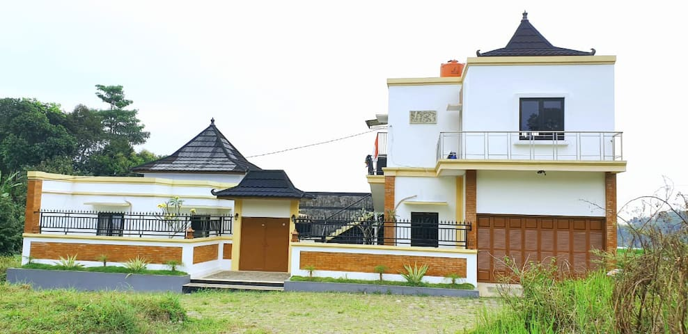 Villa Asri Dekat Tempat Wisata Baturaden