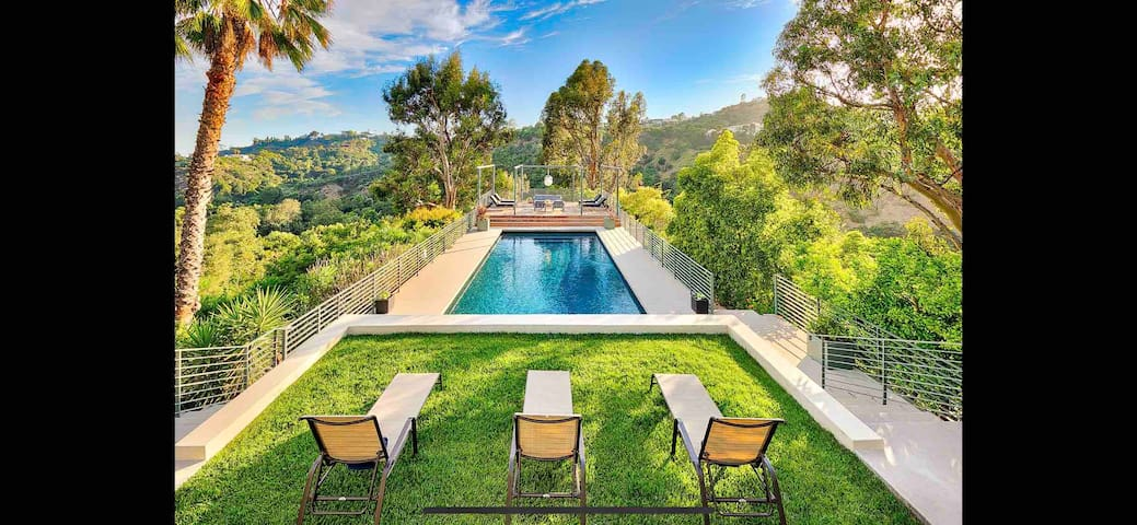 Private Bel Air estate - Thanks giving Special !
