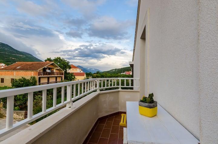 Villa Key-Comfort 1 Bedroom Apartment with Balcony