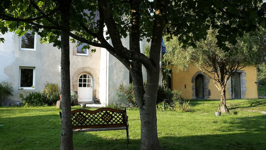 Charmante maison à la campagne près de la mer - Lanmeur