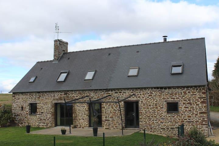 Gite proche du mont saint michel - Saint ovin  - Hus