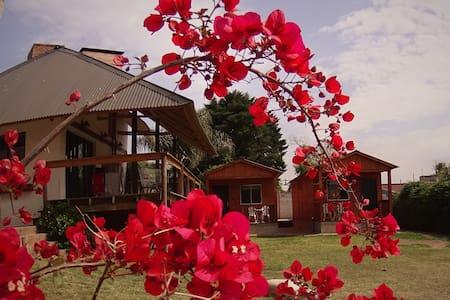 Cabaña 57A (cabaña c/WiFi & TV+Quincho & Piscina) - Villa Carlos Paz
