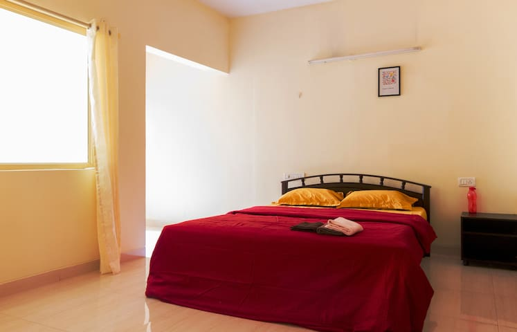 Cozy en-suite bedroom with all-time refreshments! - Bangalore - Appartement