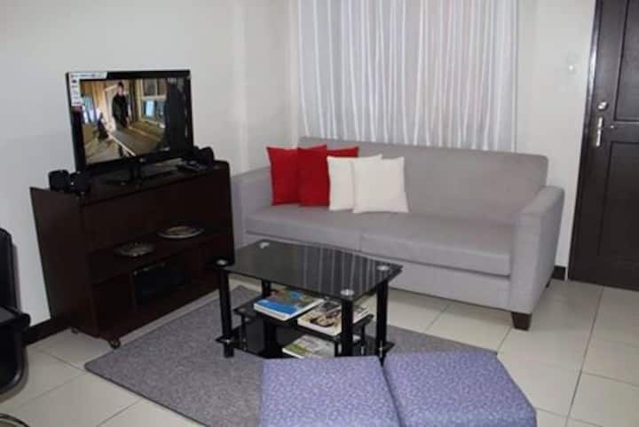 2bedroom Condo near airport, makati, bgc, alabang