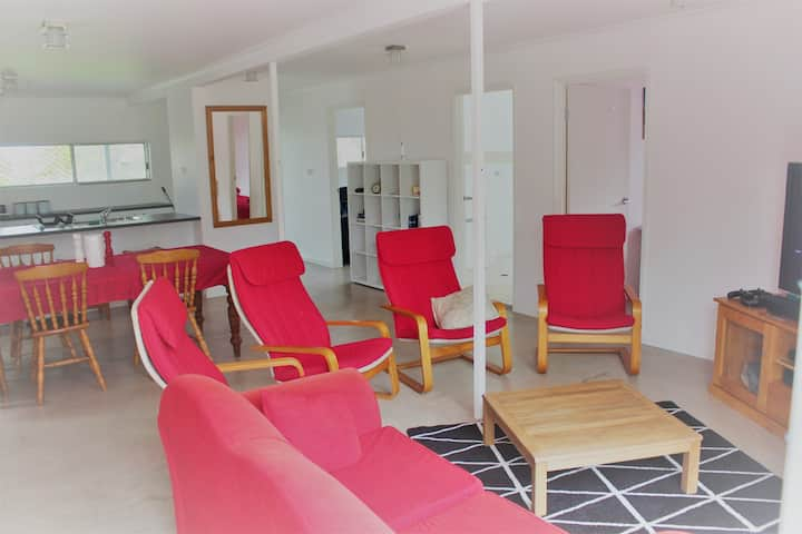 Family & Pet Friendly Beach House with Spa