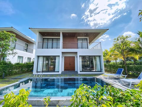 Entire 3BR Beachside Villa with Private Pool for 6