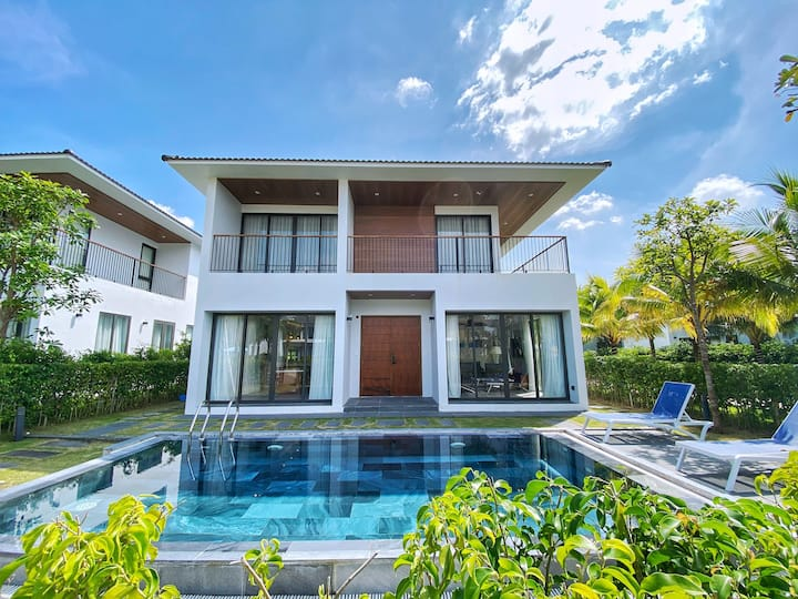 Entire 3BR Beachside Villa with Private Pool for 6