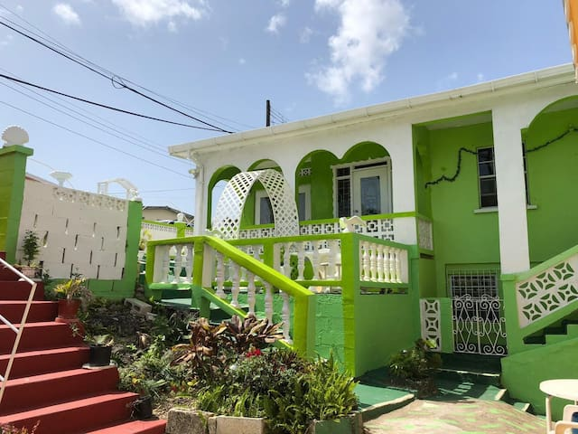 Recently renovated home, 3 bedrooms, 1 bathroom.