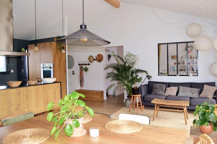 Chambre privée, maison bois à 15 min de l'océan