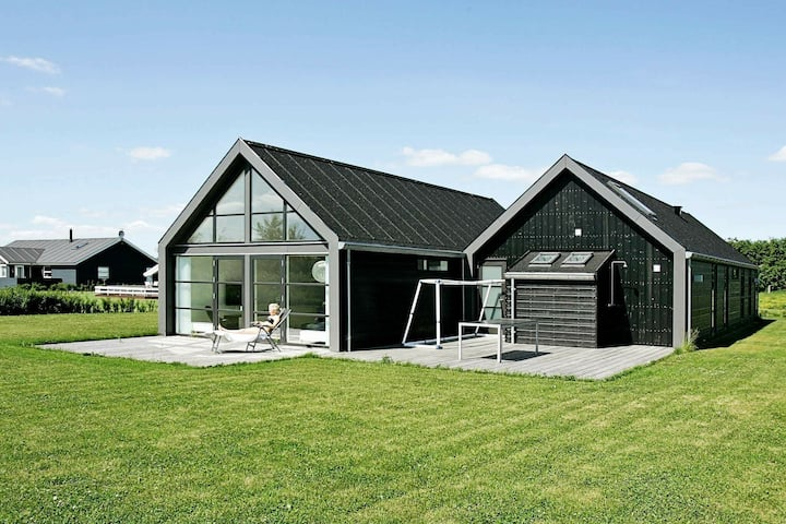 Peaceful Holiday Home in Hadsund with Sauna