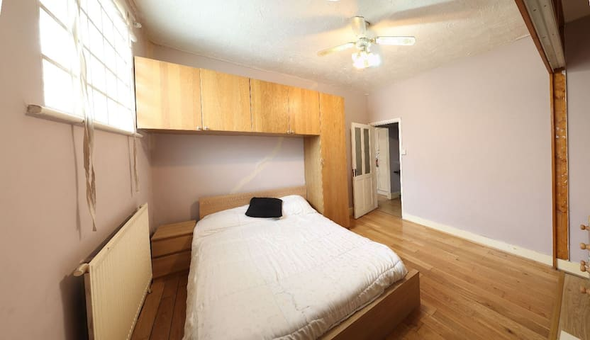 Spacious Double Room for rent  in Edmonton