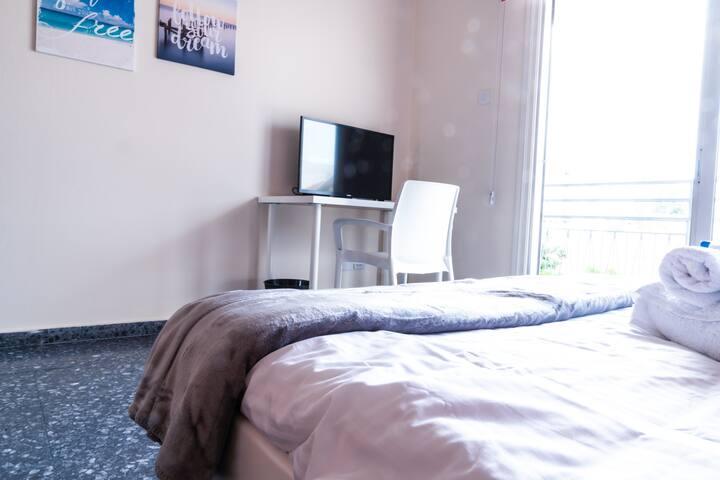 Spacious & Comfy room, private bathroom, balcony#4