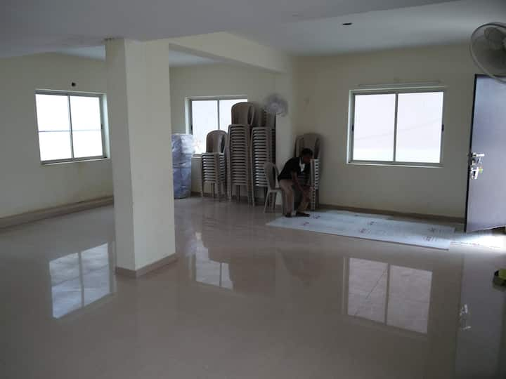 2/3 bhk Flats for rent in Puja navarthna apartment
