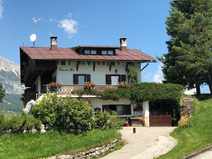Cortina,cozy, indipendent studioflat. Terrace