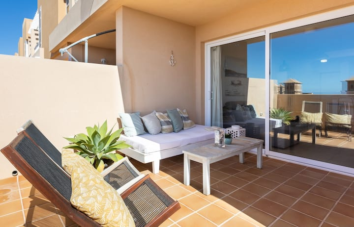 Nice terrace apartment, shared pool - PORÍS 2