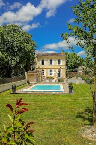 Maison Tour Berthonneau, avec piscine