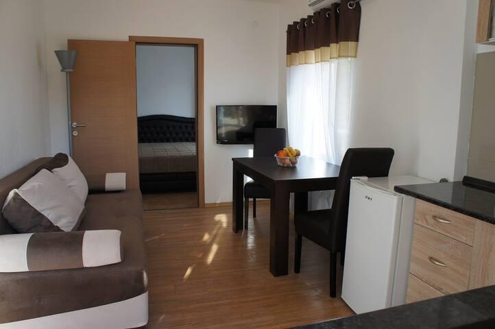 Двухкомнатный апартамент (Сутоморе Барская Ривьера